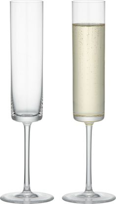 A tall, cylindrical bowl with a flat base has a dramatic, contemporary look that lends an elegant edge to the enjoyment of bubbly. HandmadeHand washing recommendedMade in Slovakia.