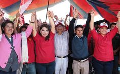 Inicia Alejandra Ramírez Ortiz campaña con toque de puerta en San Isidro Buensuceso