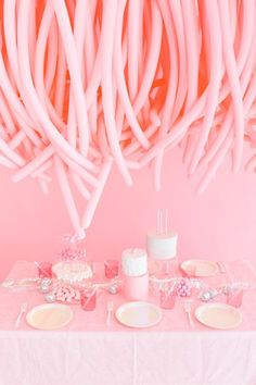 Here's a wonderfully weird balloon installation to try at your next party! We love these long balloons and wanted to use them to create something high impact… I think we hit a home run! Hang this over a table or use it as a silly photo booth. Hanging Balloons, Balloon Backdrop, Birthday Balloon Decorations, Birthday Balloons, Love Balloon, Balloon Ideas, Graduation Balloons, Balloon Installation, Pink Parties