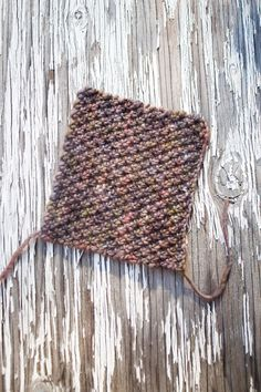 Great color, great stitch pattern. How to knit this stitch.