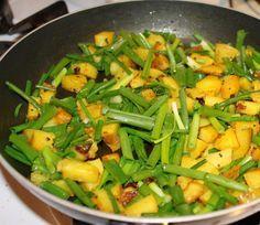Meal Series: Phukein, chole/chana masala and roti! (Green onions and potatoes, Garbanzo Bean Curry and Indian Flat Bread) - Vegan Richa