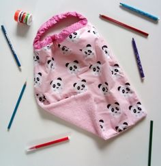 Baby Sewing Projects, Creation Couture, Bandana, Coin Purse, Crochet, Diy, Valensole, Baby Dress, Babys