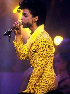 Prince doing his thing & cool as ever