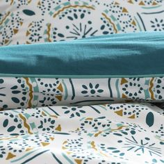 Keyiah Patterned Cotton Duvet Cover LA REDOUTE INTERIEURS This delicate design has been inspired by the orient. And mix and match with different colours. Teal Colors, Colours, Grown Up Bedroom, Blue Block, Oriental Pattern, Cotton Duvet, Queen Duvet, Color Blocking, Duvet Covers