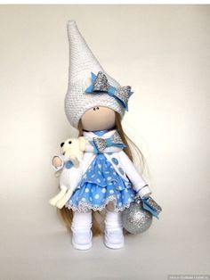 Добрый вечер всем-всем! Хочу показать своих новых текстильных кукол, сделала новую выкройку малышек 22см они такие ладненькие получаются, мне очень