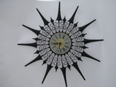 collectible retro and vintage clocks Vintage Black, Retro Vintage, Mod Wall, Sunburst Clock, Cool Clocks, Metal Clock, Gothic Home Decor, Gothic House, Compass Tattoo