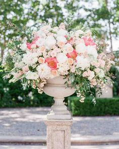 Wedding Flower Arrangements Pink Wedding Centerpieces We Love Rose Wedding Arrangements, Pink Wedding Centerpieces, Diy Wedding Flowers, Flower Bouquet Wedding, Floral Wedding, Floral Arrangements, Table Arrangements, Flower Bouquets, Boho Wedding
