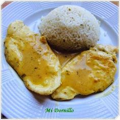 Adereza el pollo con una crema de mostaza y miel con curry para chuparse los dedos