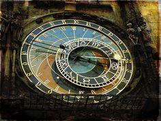 antoni gaudi cornet clock