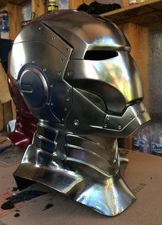 Iron Man MK II wearable helmet by Aliens-FX.com Reactor Arc, Iron Man Arc Reactor, Iron Man Helmet, Helmet Armor, Arte Do Hulk, Iron Man Cosplay, Iron Man Art, Iron Man Avengers, Iron Man Tony Stark