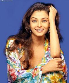 px aishwarya rai image free for desktop by Easter Bishop Aishwarya Rai Images, Aishwarya Rai Photo, Aishwarya Rai Bachchan, Most Beautiful Eyes, Beautiful People, Famous Musicals, Beautiful Indian Actress, Timeless Beauty, Indian Beauty