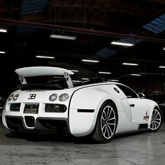 Bugatti Veyron  Follow @BugsWorldWide  Freshly Uploaded To www.MadWhips.com  Photo by @andrewlink