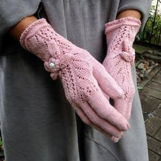 Items similar to Bright Pink Elegant Vintage Victorian Lace Gloves in Boho Style - by Dom Klary on Etsy Pink Gloves, Lace Gloves, Knitted Gloves, Knitted Bags, Vintage Knitting, Lace Knitting, Knitting Socks, Crochet Gloves Pattern, Knit Or Crochet