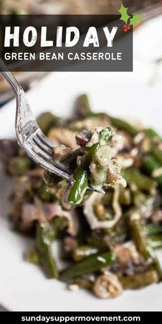 This Gluten Free Green Bean Casserole recipe is the perfect easy Thanksgiving side dish! Our green bean casserole with fresh green beans and NO canned cream of mushroom will be the hit of the holiday table. #SundaySupper #holiday #holidayrecipes #holidaydish #glutenfree #greenbean #greenbeancasserole #casserole
