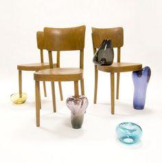 Si vous vivez dans un conte de fée, il est évident que vous allez adorer la série de meubles «cendrillon» crée par Anna Ter Haar, après la table cendrillon je vous propose d…