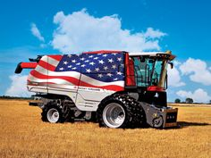 Massey Ferguson Combines Painted As Old Glory To Tour Fairs, Farm Shows Farm Show, Combine Harvester, Old Tractors, Old Glory, God Bless America, Heavy Equipment, Country Life, Monster Trucks, Opera
