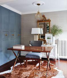 This home office is tucked into a corner in the den.   Photographer: Angus Fergusson Designer: Allison Willson, Sarah Richardson Design