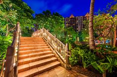 Aulani is Disney's resort & spa hotel (that's an understatement!) in Oahu, Hawaii. This trip planning guide offers tips for planning a vacation at Disn