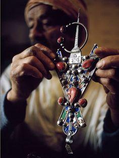 amayas-amazigh:  Afzim A very popular Amazigh jewelry in North Africa