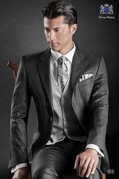 Traje de novio italiano a medida recto 2 botones, en tejido new performance fil a fil gris marengo, modelo 959 Ottavio Nuccio Gala colección Gentleman 2015.