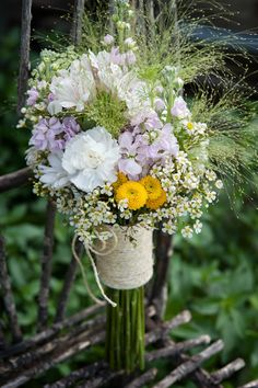 Wildflower Bouquet. Bridal bouquet. Country wedding.