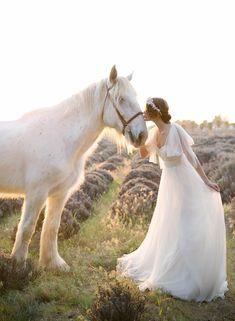 Lilac wedding inspiration | Photo by Stephanie Williams | 100 Layer Cake