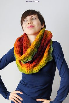 This listing is for beautiful chunky snood scarf for woman, knitted from world known Estonian Kauni yarn.  color: rainbow gradient It is 100% pure wool. Measures: 33.1 inches (84 cm) around by 22.4 inches (57 cm) length.