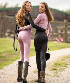 The picture may include: 2 persons, persons standing, shoes and … The image may contain … – Art Of Equitation Teen Girl Poses, Teen Girl Outfits, Sexy Outfits, Cute Outfits, Mädchen In Leggings, Girls In Leggings, Girls Jeans, Black Leggings, Equestrian Girls