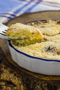 PASTICCIO DI PATATE #pasticcio #patate #mozzarella #pangrattato #ricettafacile #ricettaveloce #ricettapatate #secondo #contorno #piattounico #secondopatate #contornopatate #martolinaincucina
