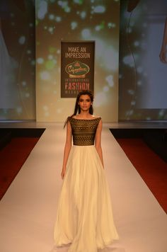 Diana Penty in DRASHTA at Signature International Fashion Weekend. #Bollywood #Fashion #Style #Beauty