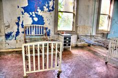 Discover Preston Castle in Ione, California: One of the oldest reform schools in the United States, home to wayward boys such as Merle Haggard, now abandoned. Preston Castle, Reform School, Ghost Adventures, Abandoned Places, Travel Inspiration, Old Things, California, Outdoor Decor, Ghosts