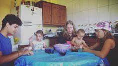 East Time / celebração de Páscoa.  #thesouzas #familyinmissions #missions #missionarios #ywam #ywamccl #ywambrazil #ywamsouthbrazil by the_souzas http://bit.ly/dtskyiv #ywamkyiv #ywam #mission #missiontrip #outreach