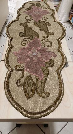 Jute Crafts, Diy And Crafts, Cross Stitch Embroidery, Cross Stitch Patterns, Table Toppers, Rugs, Blog, Angles, Facebook