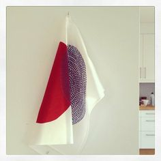 NEW from Camp Cirrus: tea towel TILLSAMMANS red/blue.
