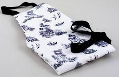 Churchill | Blue Willow | Apron | Lovers of Blue and White