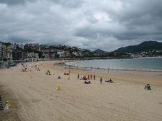 Hotel Maria Cristina San Sebastian: The famous la concha beach