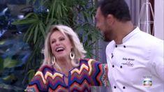 crochelinhasagulhas: Blusa colorida em crochê da apresentadora Ana Mari...