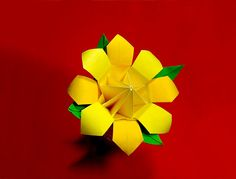 Origami flower helena origami flowers pinterest origami easy tutorial on amazing origami flower with flower base great ideas for paper flower bouquet for room decoration and gift for a friend or mother mightylinksfo