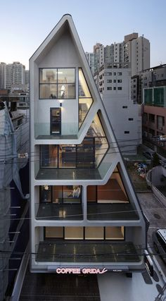 Architizer features the best buildings and design interiors from today's best architects. Publish your architectural projects today and get featured.