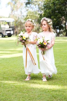 Suzanne Riley Marriage Celebrant Sunshine Coast Photo by Images by Lou - Lou O'brien Gorgeous flower girls with halo flowers by Willow Bud.. stunning and so cute.