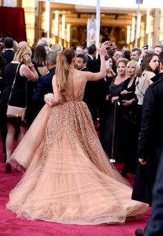 The 2015 Oscars - Jenifer Lopez's beaded Elie Saab 2015 Oscars gown was just as gorgeous from the back.