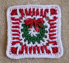 Crochet Granny Square Ideas Ravelry: Project Gallery for Peppermint Wreath pattern by James G Davis - Crotchet Patterns, Crochet Blocks, Granny Square Crochet Pattern, Crochet Squares, Crochet Granny, Crochet Motif, Free Crochet, Crochet Geek, Granny Squares
