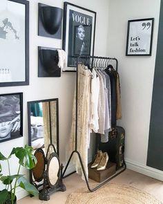 "980 vind-ik-leuks, 24 reacties - Rowena◾ House-Proud, S & I (@rohouseproud) op Instagram: '- Let's talk fashion , or dance on  ""VOGUE"". New poster from @textposters.com_. Still like…'"