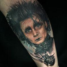 #cazuzamtattoo Movie Tattoos, Johnny Depp Movies, Fear And Loathing, The Lone Ranger, Edward Scissorhands, Tim Burton, Alice In Wonderland, Pop Culture, Ink