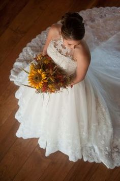 Bridal Shoot: Texas Bride Alicia in Cowboy Boots and A Bouquet DIYed by the Groom