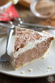 Chocolate Dream Pie Rich, creamy and silky, this Chocolate Cream Pie is a chocolate lovers dream! A creamy chocolate filling is topped with whipped cream in this easy, crowd pleasing pie. 13 Desserts, Delicious Desserts, Yummy Food, Lemon Desserts, Plated Desserts, Chocolate Dreams, Chocolate Pies, Chocolate Filling, Chocolate Lovers