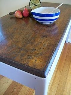 The Painted Hive | Faux Plank Table Tutorial how to score wood to make it look like old boards