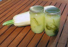 Zaváraná tekvica Pickles, Cucumber, Mason Jars, Food And Drink, Drinks, Syrup, Kunst, Drinking, Beverages