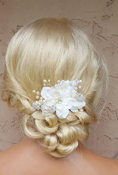 Hey, I found this really awesome Etsy listing at https://www.etsy.com/listing/495933970/bridal-hair-comb-wedding-comb-ivory-comb