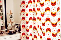 Commonkitchen curtain with retro capsule flower